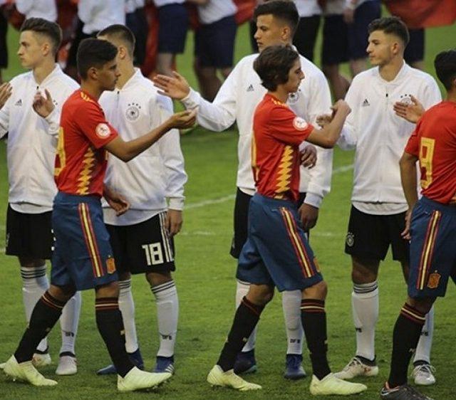 El jugador del Sevilla FC, Bryan Gil, jugando con España sub-18. Imagen SevillaFC.es