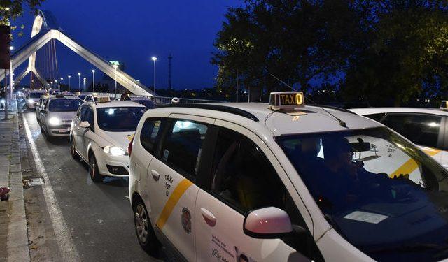 protesta-taxistas-celebrada-fin-semana_1302179950_91568415_667x375