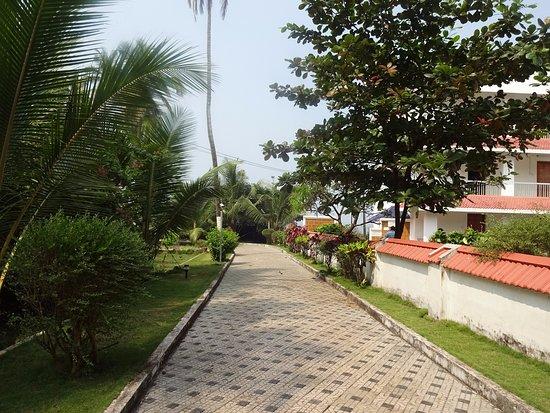 kannur lighthouse musuem travel guide walkway