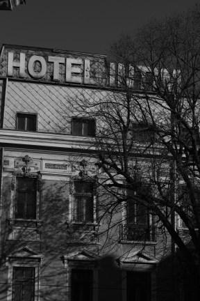 ホテル…ですが,ホテルはないと思います.