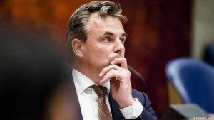 Belebukott a holland migrációs államtitkár a bűnügyi statisztikák kozmetikázásába