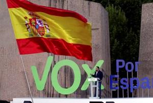 Kinek kedvez a spanyol jobboldal politikai bikaviadala?