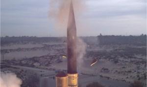 Sikeresen tesztelték Izrael Nyíl-3 légvédelmi rakétáját
