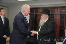 Hungarian-Derlegation-Visits-Crown-Heights12 (1)