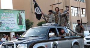 Megfoszthatók állampolgárságuktól a dzsihadisták oldalán harcoló britek
