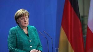 Szemünk láttára esik szét a német kereszténydemokrácia