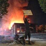 Rendkívüli állapot Georgiában az egyre terjedő utcai erőszak miatt
