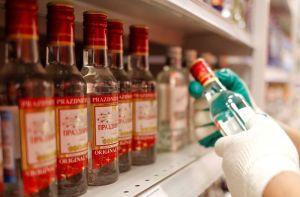 Mázli: mégsem kell hónapokra abbahagyni az ivást az orosz vakcinához