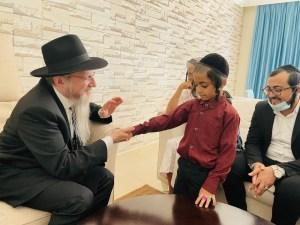 Orosz főrabbi segítségével további jemeni zsidók menekültek az Emírségekbe