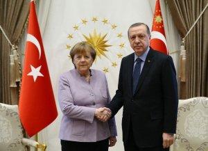 Miért nem védte meg Angela Merkel van der Leyent Erdogan megalázó húzása után?