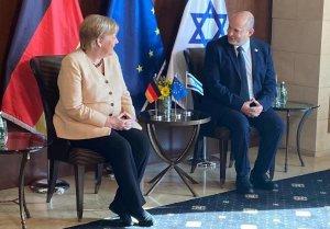 Megérkezett Izraelbe a hivatalából hamarosan távozó Angela Merkel