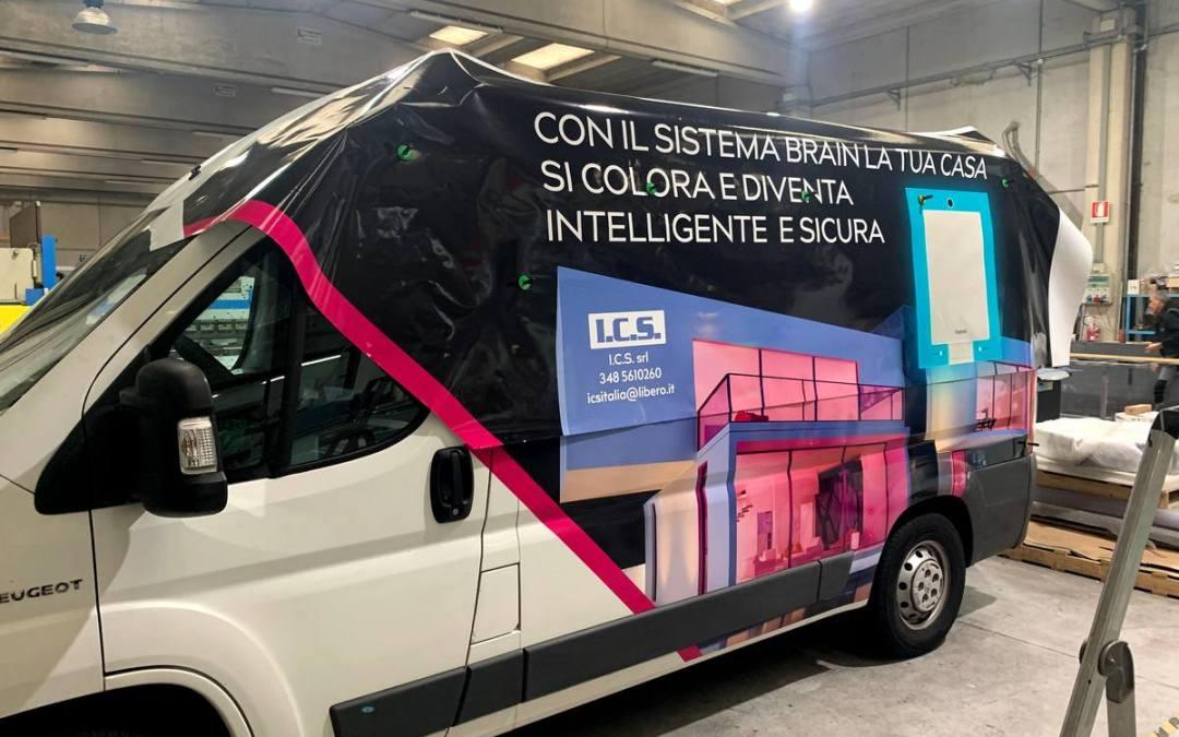 adesivi furgone - personalizzazione furgone con adesivi castt