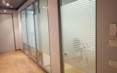 ADESIVI VETRI : Vetrofanie uffici per pareti divisorie.
