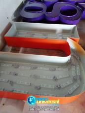 Letreros de lámina con carátula de acrílico (6)