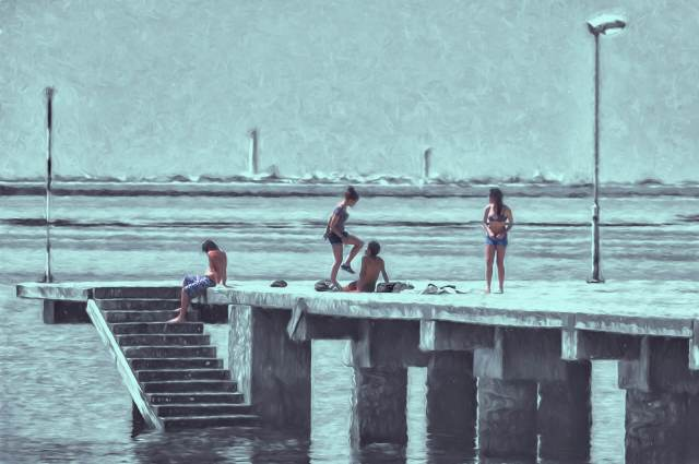 playing on the jetty arty