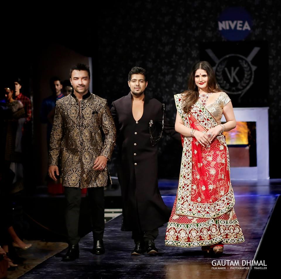 Vishal Kapoor VK WITH SHOWSTOPPERS Ajaz Khan & Zarine Khan