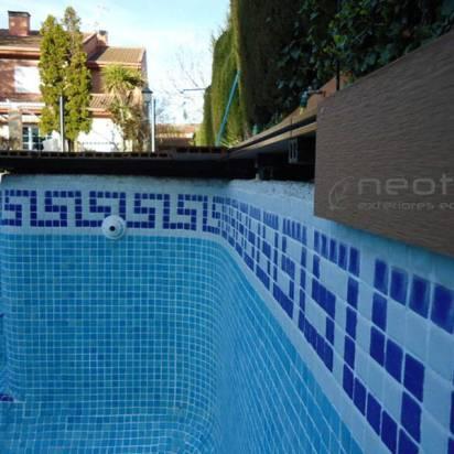 TAPA CORONACIÓN PISCINAS. Para los vasos de la piscina puede colocarse tapas en zonas rectas o curvas ya que flexan.