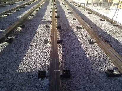 RASTRELADO BASE. Previo a la instalación de tarima sintética es necesario rastrelar la base o pavimento.
