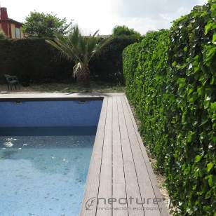 Tarima en madera sintética exterior para piscinas.