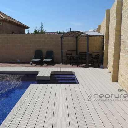 Tarima piscina madera tecnologica