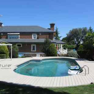tarima exterior madera composite piscina jardin