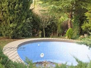 tarima-exterior-sintetica-piscina