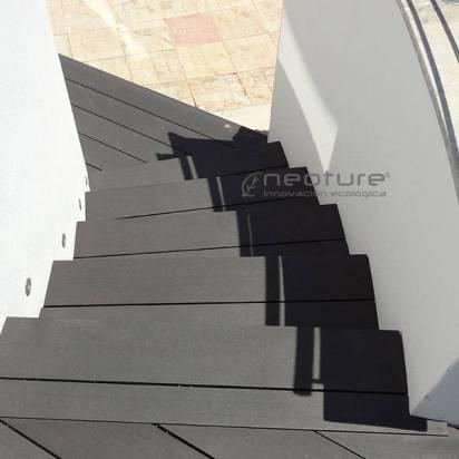 tarima madera sintetica escaleras