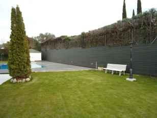 Revestimiento madera tecnológica mod. NeoLack para exterior terraza.