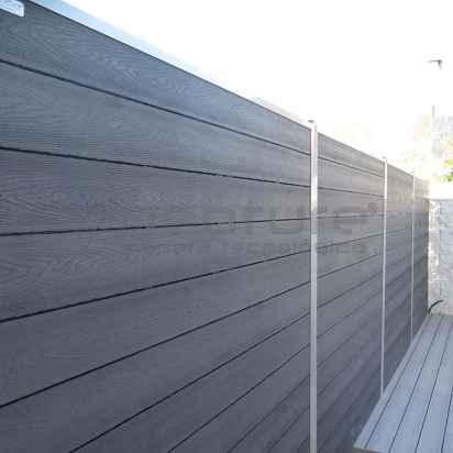 Vallado exterior madera tecnológica sin mantenimiento.