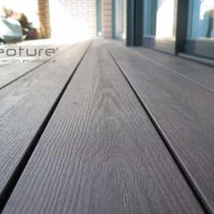 tarima sintetica encapsulada en madera sintetica