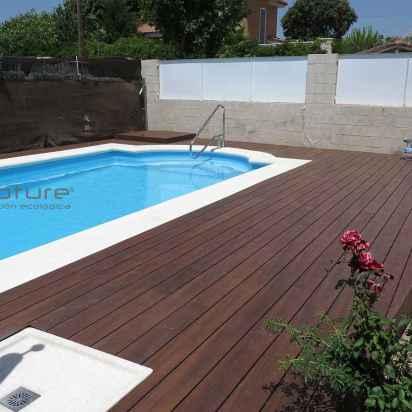 tarima madera sintetica exterior encapsulada para piscinas