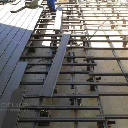 nivelacion de rastreles para el montaje de tarima exterior composite