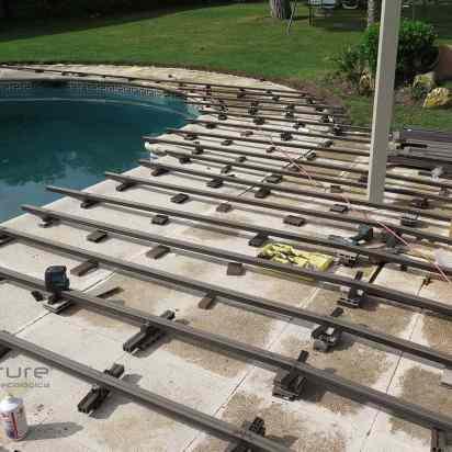 RASTRELADO. Instalación de rastreles en zona piscina.