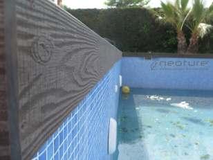 Coronación de piscina con tapa coextrusionada acabado veteado