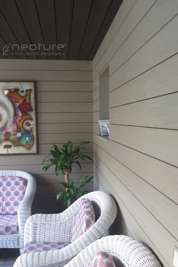 Revestimiento porche madera tecnológica encapsulada NeoCros Fresno