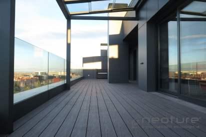 Tarima madera composite exterior terraza ático pizarra