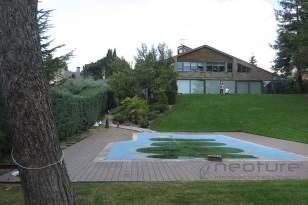 Tarima madera exterior tecnológica para piscinas