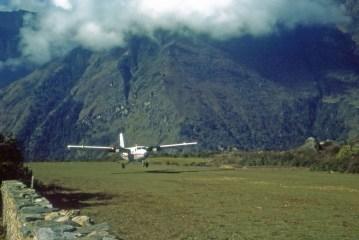 lukla airstrip landing 1977 cliff bancroft