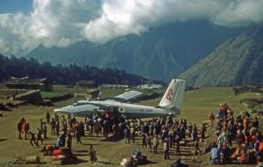 lukla airstrip twin otter 1977 cliff bancroft