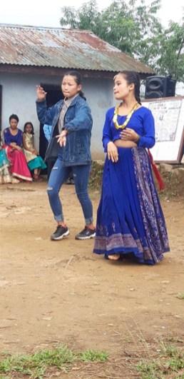 girls student performing dance (2)