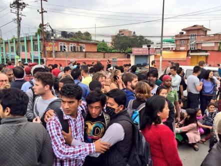 earthquake Nepal april houses damaged 10