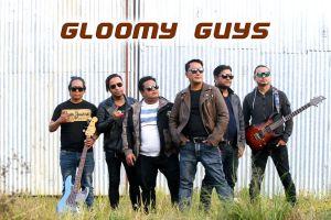 Aakasaima Chil Udyo Lyrics – Gloomy Guys