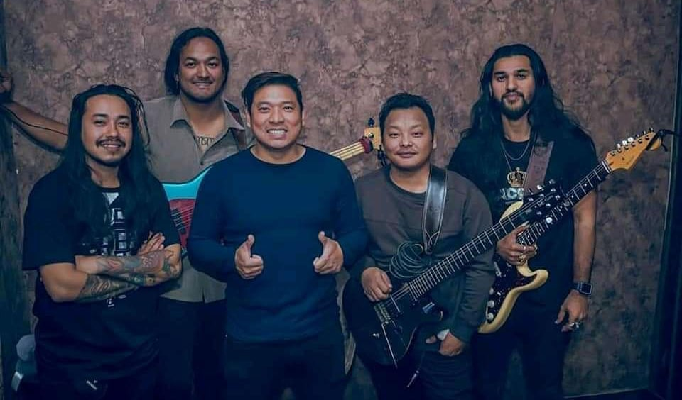 Kasari Samjhau Lyrics – The Edge Band