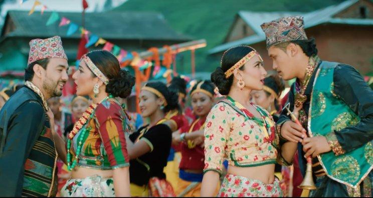 Ek Kaan Dui Kaan Maidaan Lyrics - Aashish Sachin and Melina Rai The Cartoonz Crew, Aanchal Sharma, Myakuri