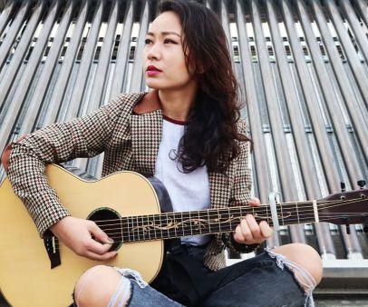 Aghumai Saalai Ta Lyrics - Trishna Gurung