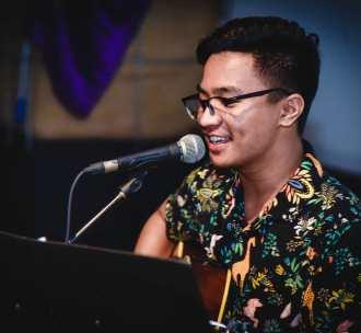 Sunideu Lyrics - Apurva Tamang