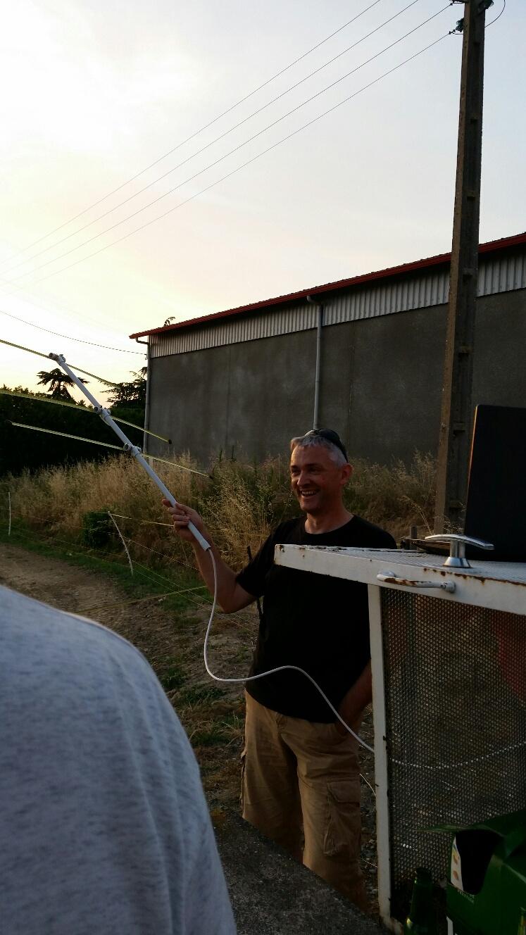 Une antenne spécialement destinée à capter les émissions radio d'ISS
