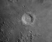 Jean-Claude le 25 février 2018 à 21h30 cratère de Copernicus Mak 180 ZWO 120 ciel moyen avec quelques passages nuageux