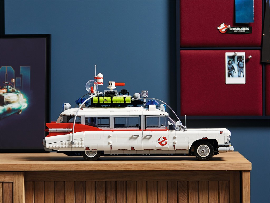 ECTO-1-Ghostbusters-LEGO-side