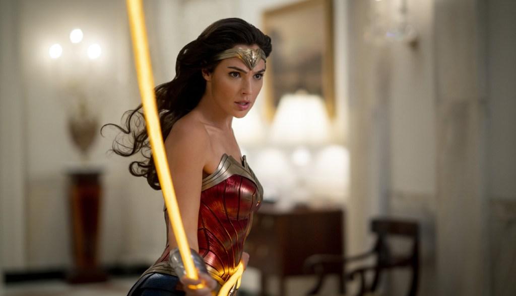 CCXP Wonder Woman 1984 Trailer